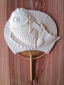 団扇「踊り鯛」